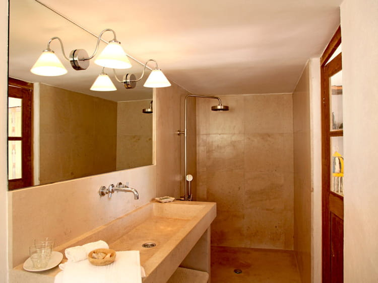 douche l 39 italienne une pluie de bonnes id es journal des femmes. Black Bedroom Furniture Sets. Home Design Ideas