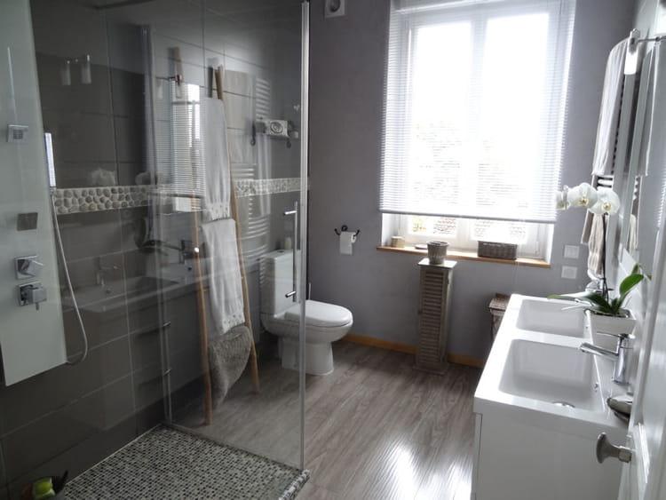 Douche ressour ante douche l 39 italienne une pluie de - Salle de bains a l italienne ...