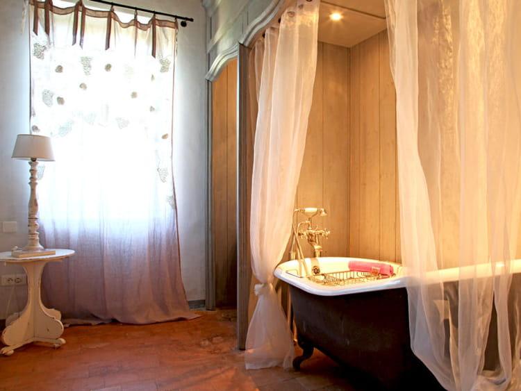 laissez moi r ver on veut une baignoire l 39 ancienne journal des femmes d coration. Black Bedroom Furniture Sets. Home Design Ideas