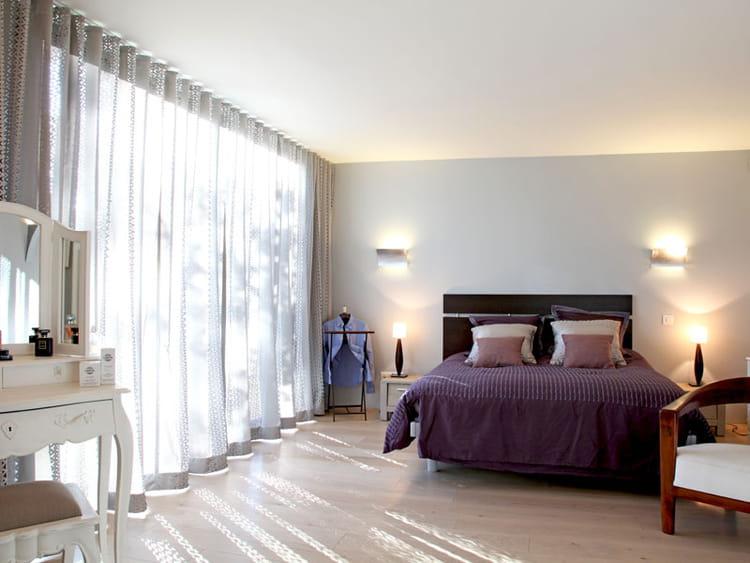 chambre en lumi re une maison pour vivre dedans ou dehors journal des femmes. Black Bedroom Furniture Sets. Home Design Ideas