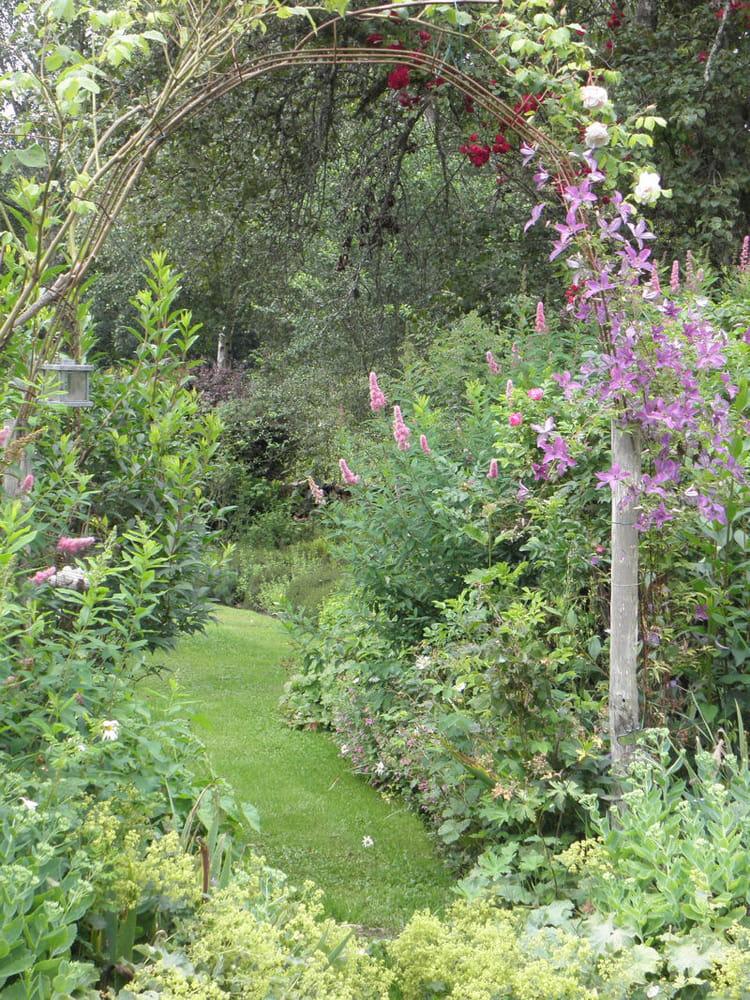 Une all e romantique belles all es de jardin journal - Deco jardin journal des femmes toulouse ...