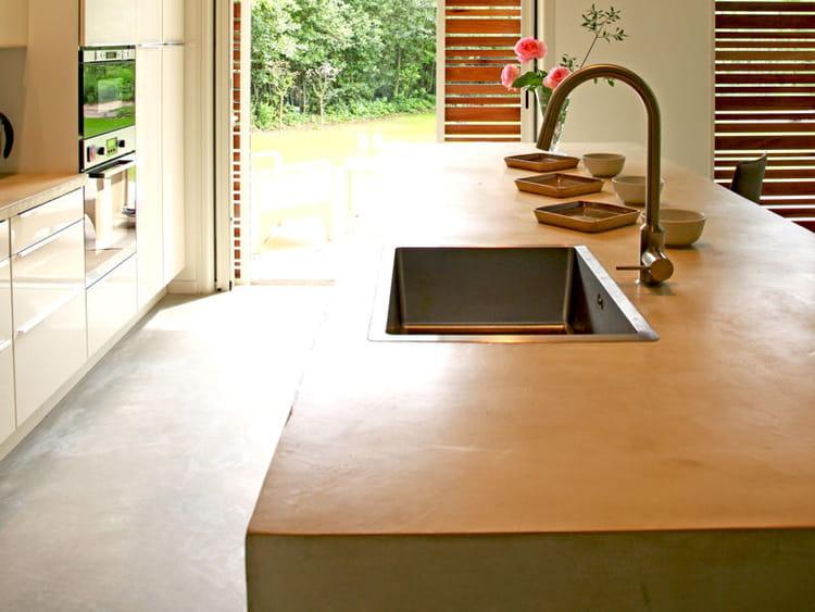 En b ton lisse cuisine 20 plans de travail copier journal des femmes - Escalier beton lisse ...