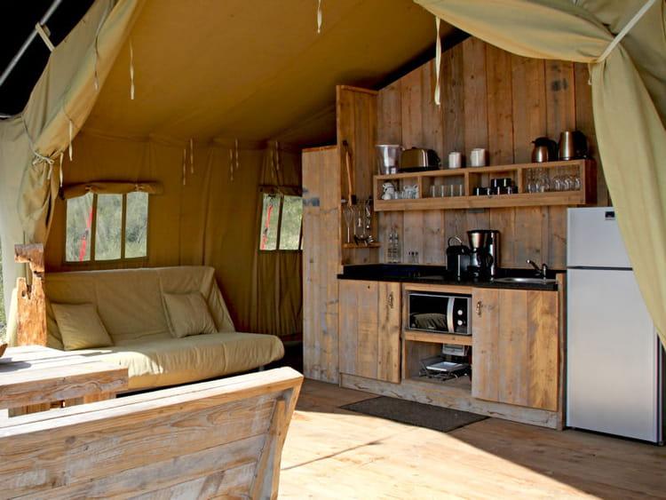 Cuisine en bois rustique utiliser le bois dans sa cuisine journal des femmes - Cuisine bois rustique ...