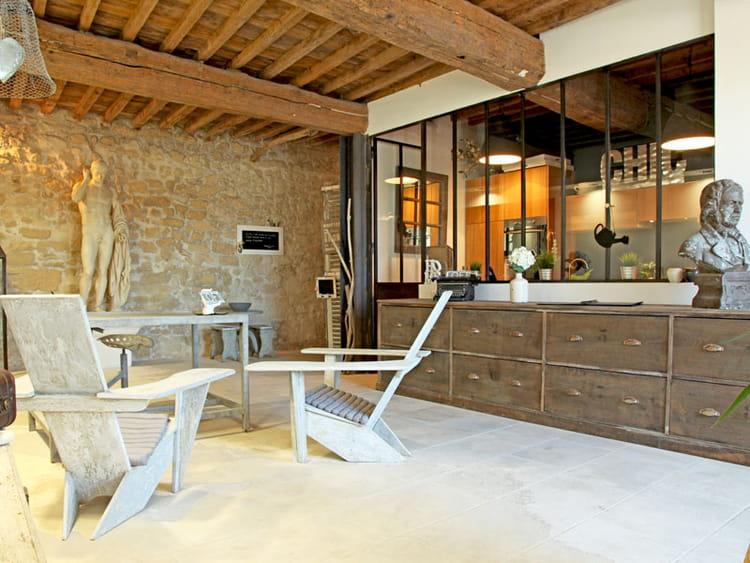 statue romaine au salon. Black Bedroom Furniture Sets. Home Design Ideas