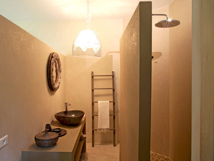 salle de bains naturelle des salles de bains de d corateurs journal des femmes d coration. Black Bedroom Furniture Sets. Home Design Ideas