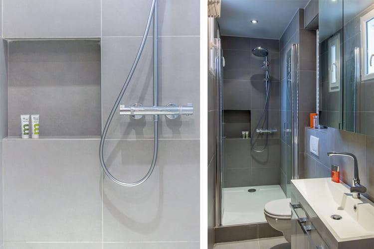 Une salle d 39 eau tout en longueur un 37 m bleu et blanc - Salle d eau 2m2 ...