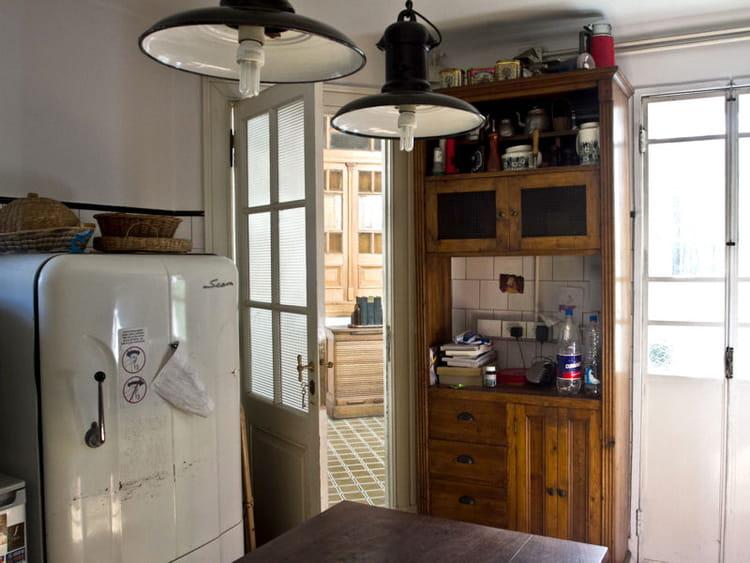 cuisine l ancienne bienvenue dans la maison d 39 un dessinateur de bd journal des femmes. Black Bedroom Furniture Sets. Home Design Ideas