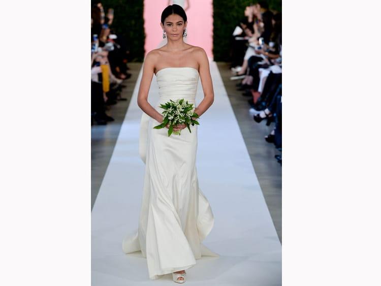 la robe pr s du corps oscar de la renta bridal fashion week de new york 55 robes qui nous. Black Bedroom Furniture Sets. Home Design Ideas
