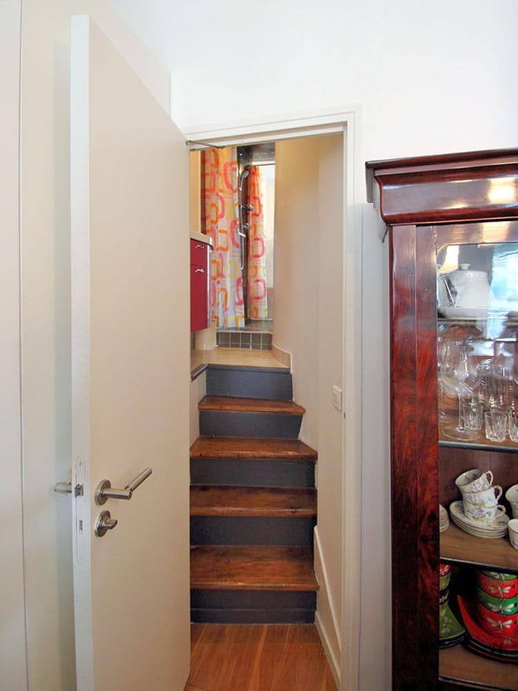 Apr s une salle de bains optimis e une chambre au milieu du salon jou - Configuration salle de bain ...