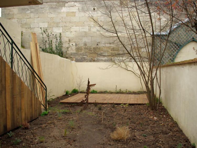 un espace v g taliser une salle de r union dans un jardin de ville journal des femmes. Black Bedroom Furniture Sets. Home Design Ideas