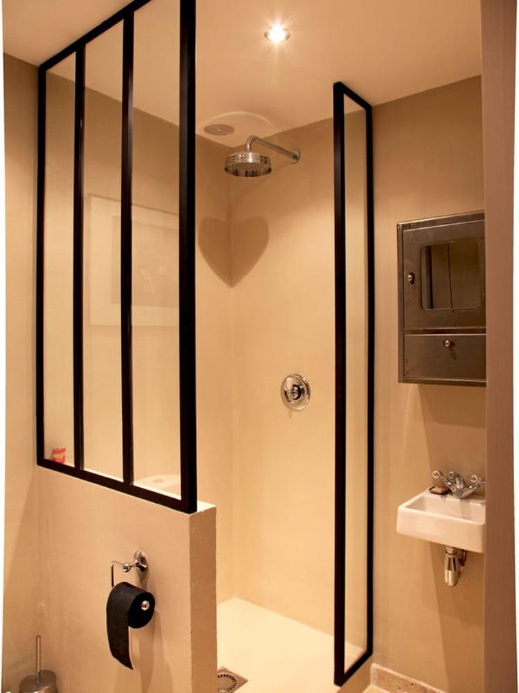 Verri re en paroi de douche une verri re pour un int rieur ouvert et lumine - Vitre pour douche italienne ...