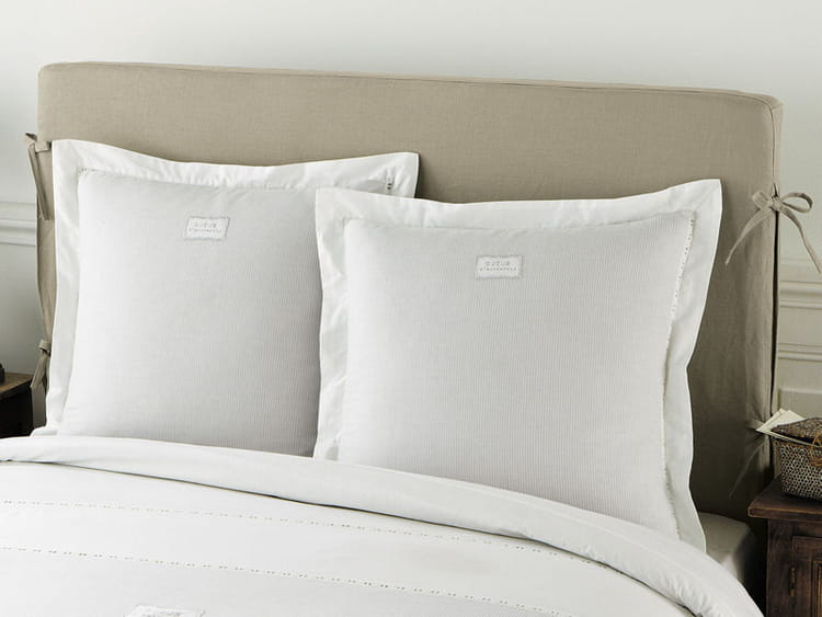 housse tete de lit images. Black Bedroom Furniture Sets. Home Design Ideas