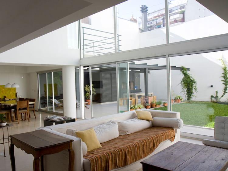 en rez de jardin des maisons ouvertes sur l 39 ext rieur. Black Bedroom Furniture Sets. Home Design Ideas