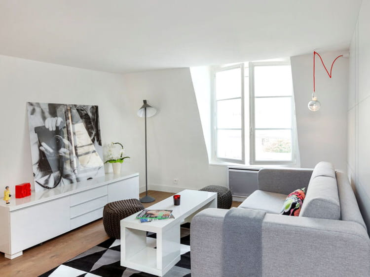 Un salon clair et moderne un studio d 39 tudiant malin et for Amenagement chambre 20m2