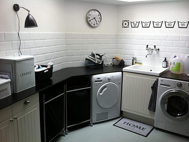 la buanderie sobre et fonctionnelle visitez la maison d 39 elisabeth journal des femmes. Black Bedroom Furniture Sets. Home Design Ideas