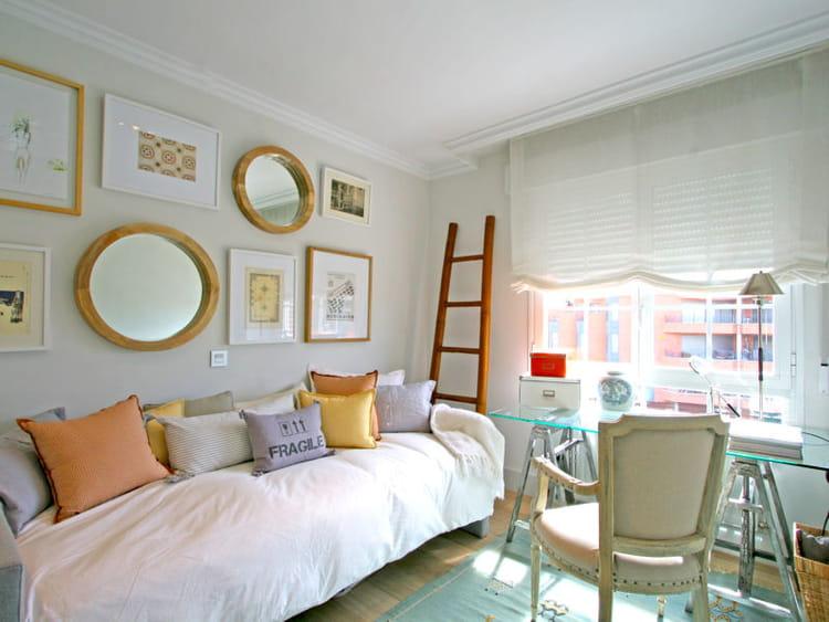 une chambre double emploi 30 id es et conseils pour d corer une chambre d 39 amis journal des. Black Bedroom Furniture Sets. Home Design Ideas
