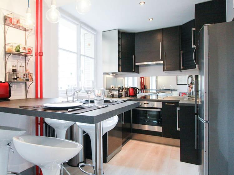 le noir en cuisine on adore journal des femmes. Black Bedroom Furniture Sets. Home Design Ideas