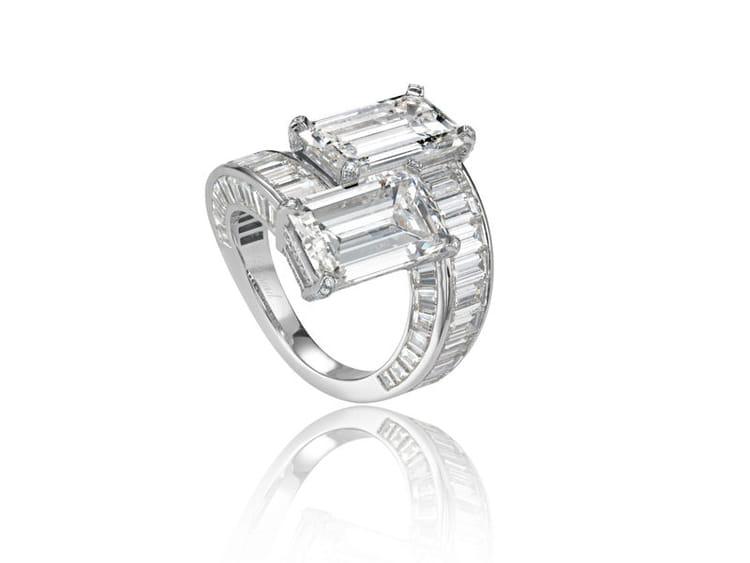 ... et de 54 diamants baguettes. Prix sur demande. Site : .chopard