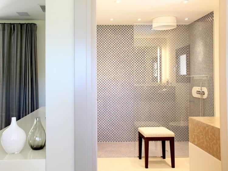 douche l 39 italienne une pluie de bonnes id es journal. Black Bedroom Furniture Sets. Home Design Ideas