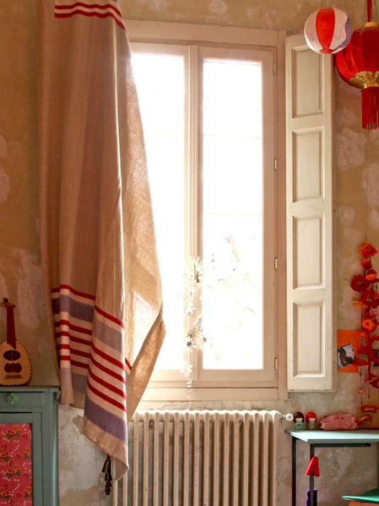 fen tres 30 id es pour les habiller et les d corer journal des femmes. Black Bedroom Furniture Sets. Home Design Ideas