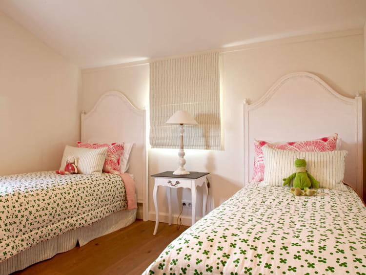 la chambre des filles chambre d 39 enfants esprit dortoir pour ma tribu journal des femmes. Black Bedroom Furniture Sets. Home Design Ideas