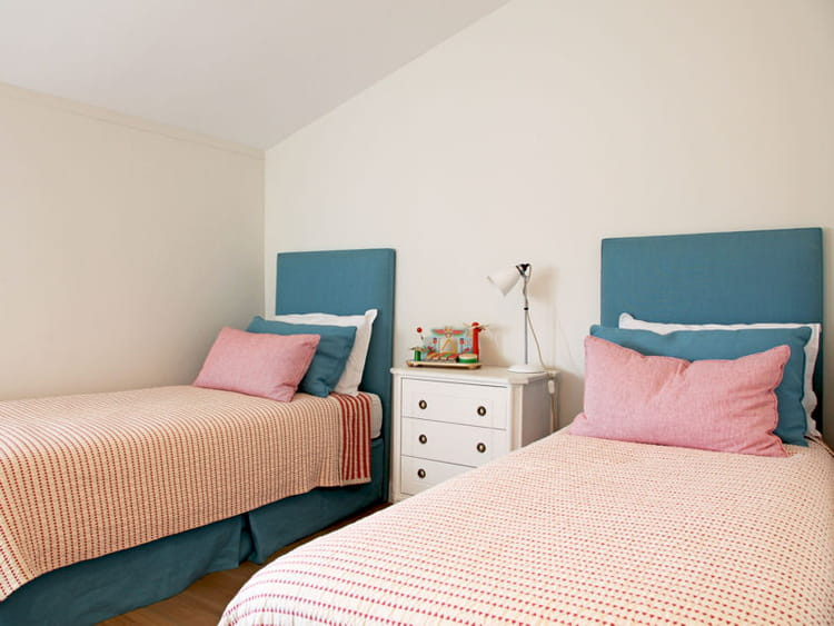 la chambre des gar ons chambre d 39 enfants esprit dortoir pour ma tribu journal des femmes. Black Bedroom Furniture Sets. Home Design Ideas