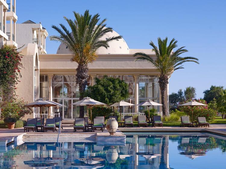 une piscine hors du commun escale glamour et authentique l 39 h tel the residence tunis. Black Bedroom Furniture Sets. Home Design Ideas