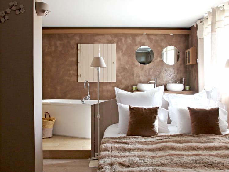 Ambiance cocooning tendance la salle de bains ouverte for Salle de bain ouverte sur chambre