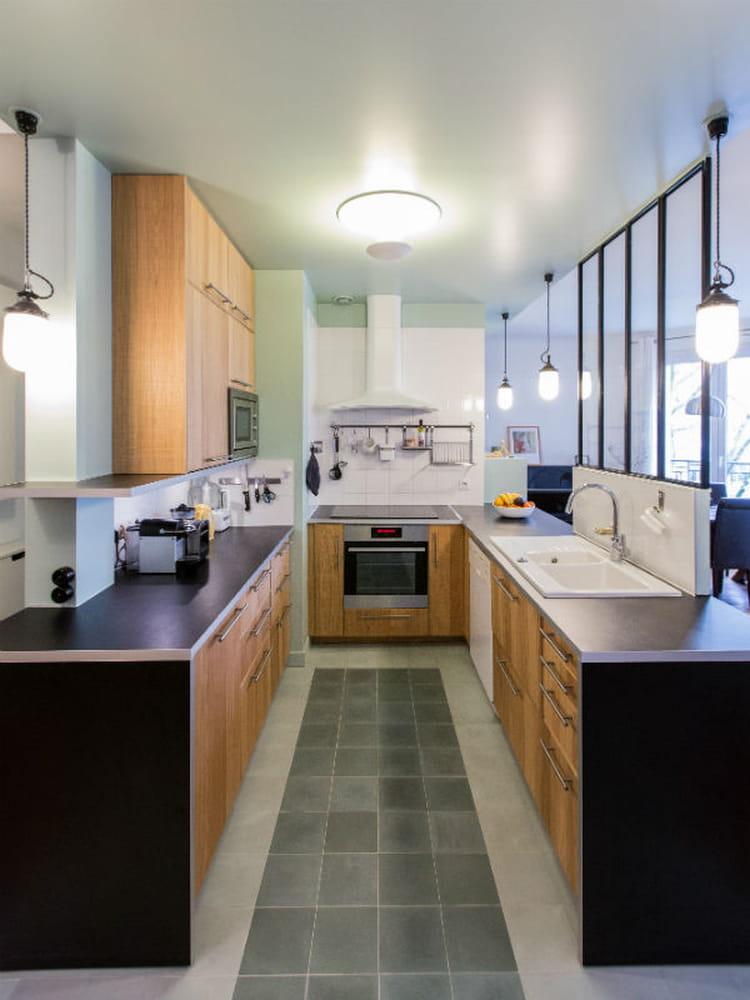utiliser le bois dans sa cuisine journal des femmes. Black Bedroom Furniture Sets. Home Design Ideas