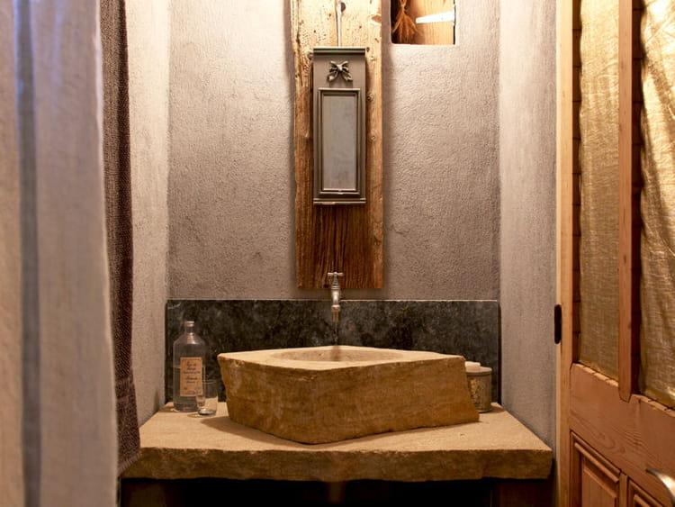 Un meuble vasque en pierre accessoiriser sa salle de - Meuble en pierre ...