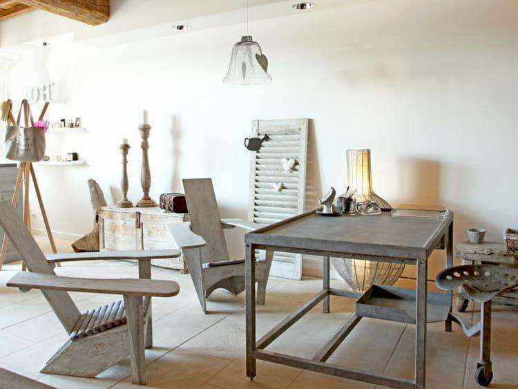 un bureau fa on atelier des coins bureau qui nous inspirent journal des femmes. Black Bedroom Furniture Sets. Home Design Ideas