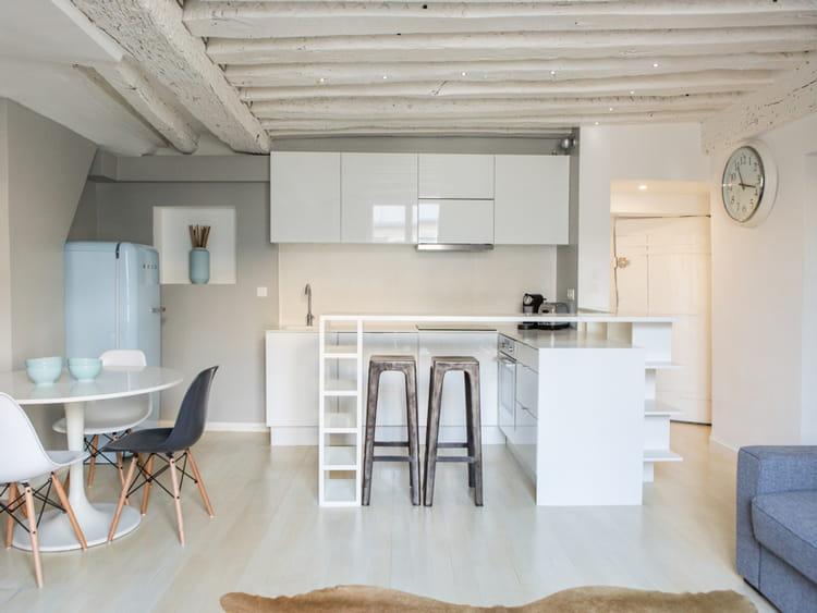 une cuisine ouverte en u 40 cuisines ouvertes pratiques et esth tiques journal des femmes. Black Bedroom Furniture Sets. Home Design Ideas