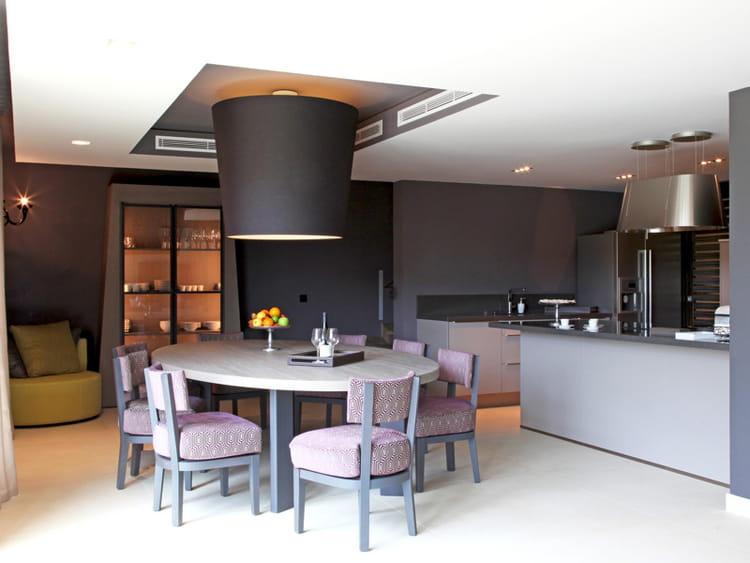 Une cuisine ouverte raffin e for Separer une cuisine ouverte