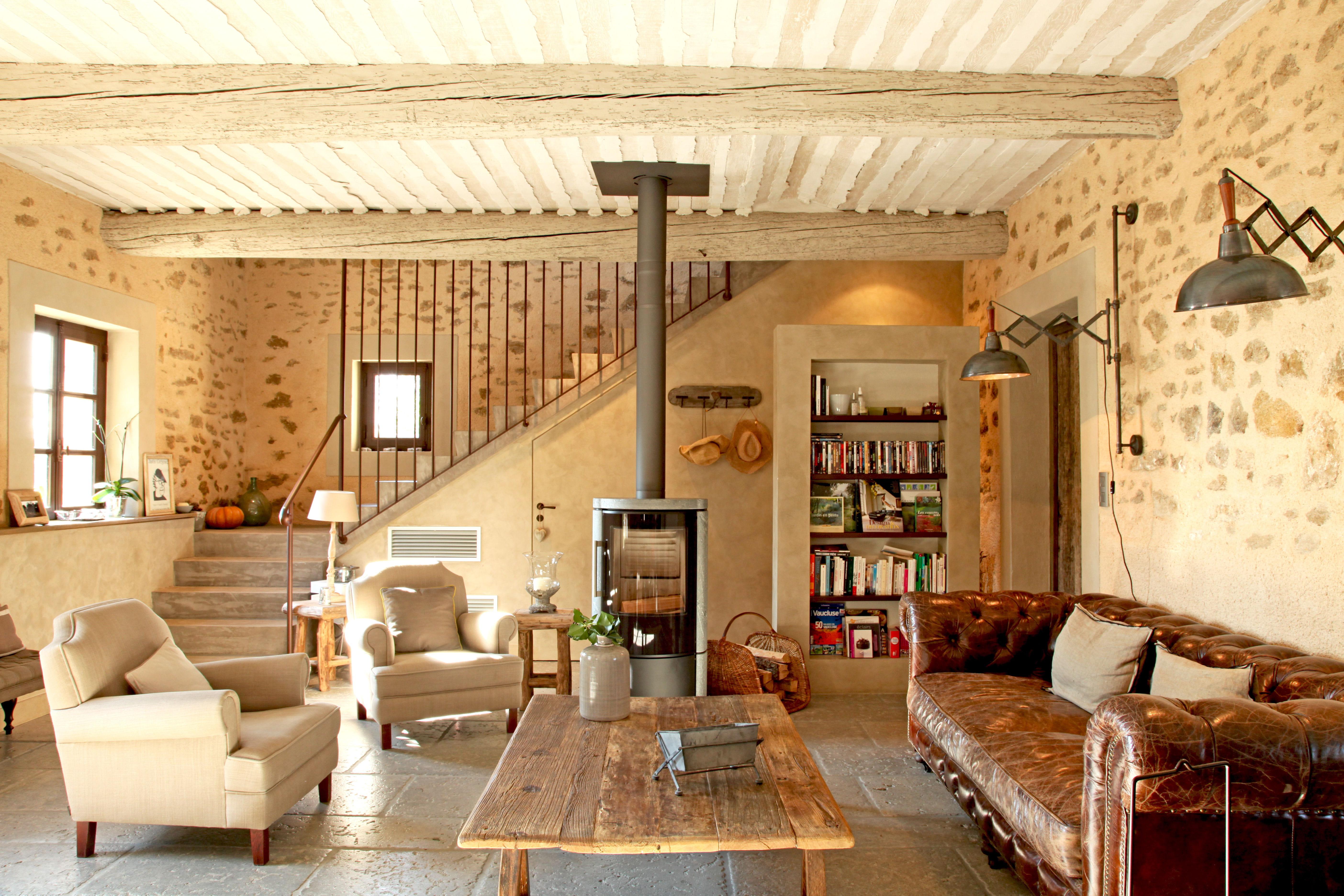 Salon Poele A Bois #15: Je Veux Le Même à La Maison : Un Salon Cosy Avec Poêle à Bois .