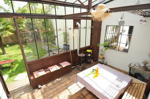 un jardin d 39 hiver spatieux des v randas et jardins d 39 hiver pleins de charme journal des femmes. Black Bedroom Furniture Sets. Home Design Ideas