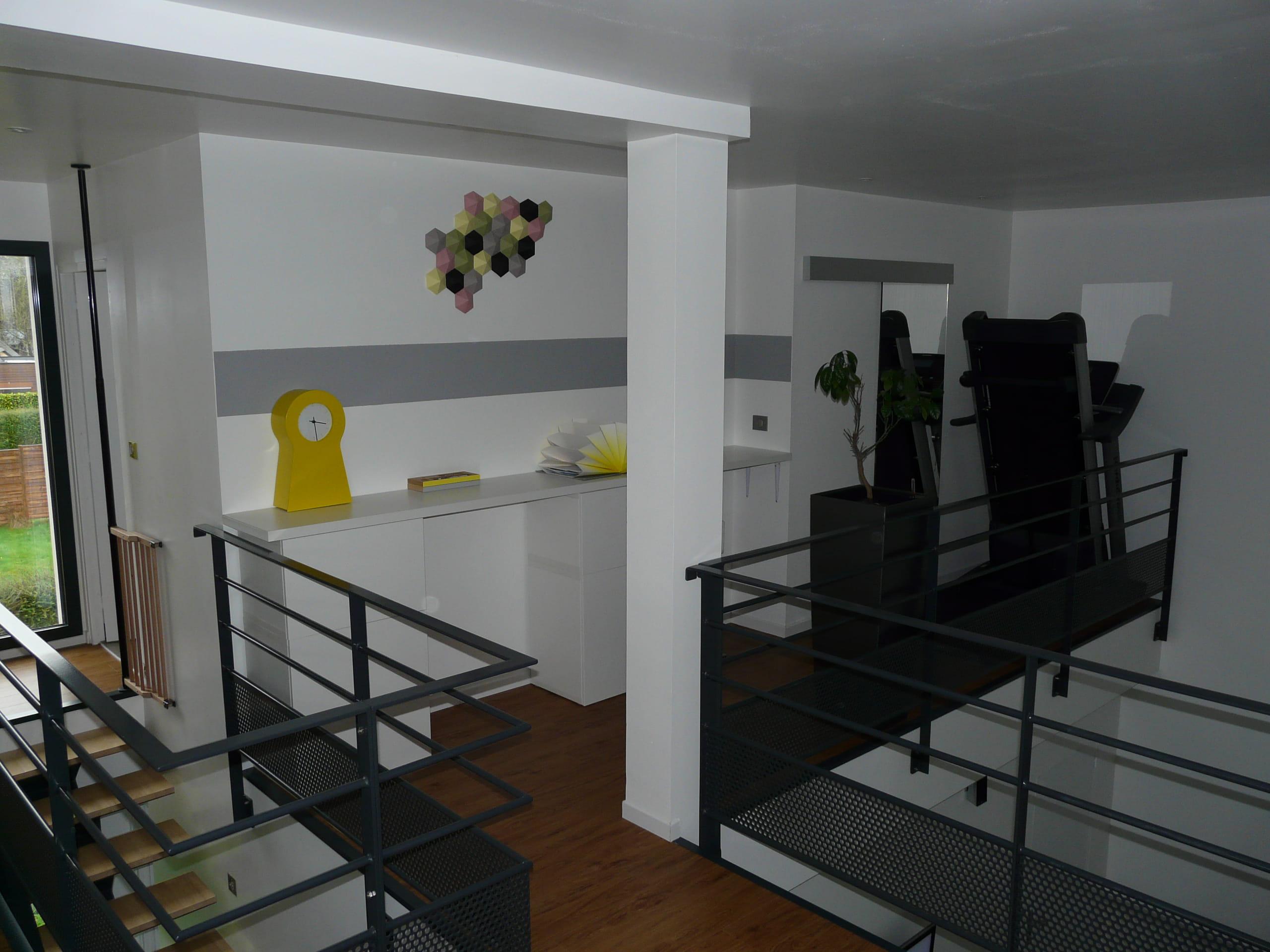 un bureau en hauteur visitez la maison d 39 aur lie. Black Bedroom Furniture Sets. Home Design Ideas