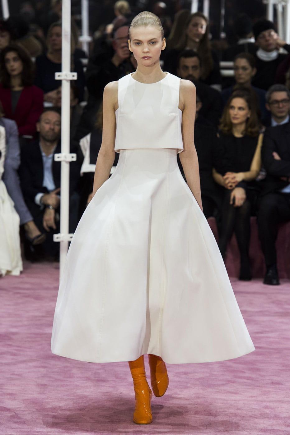Robe de mariée Christian Dior, sobre : Haute couture printemps-été ...