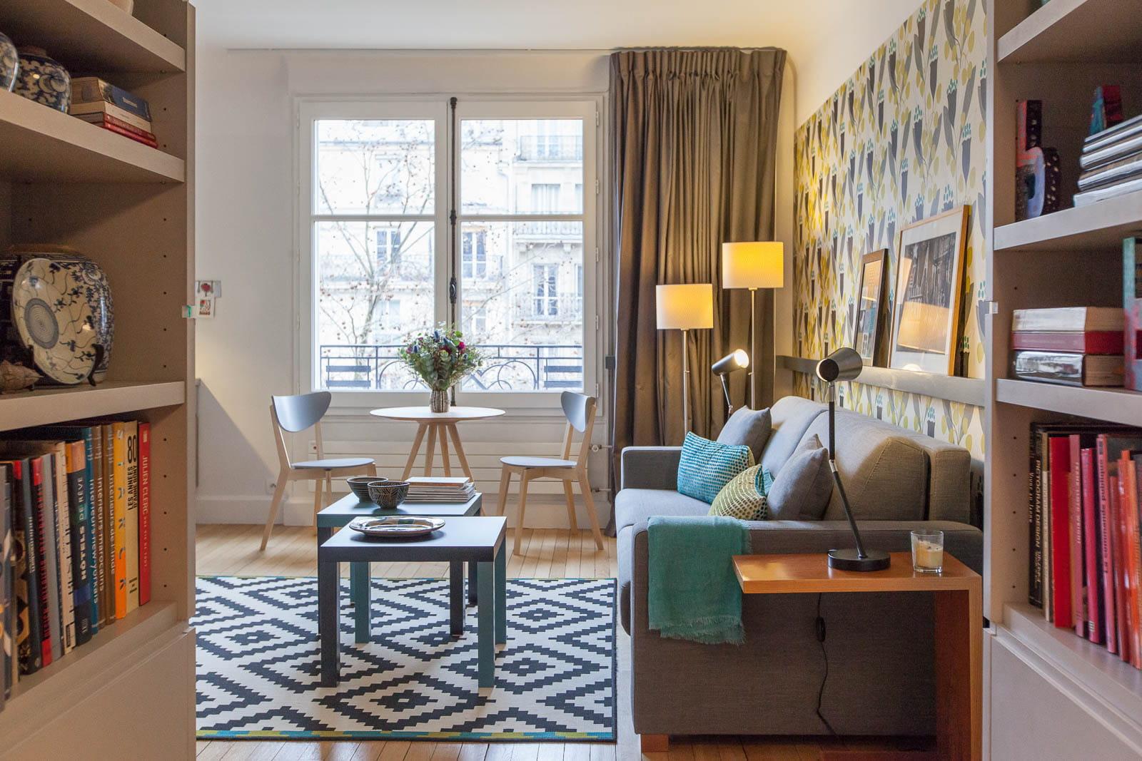 un petit appart 39 avec une grande pi ce principale. Black Bedroom Furniture Sets. Home Design Ideas