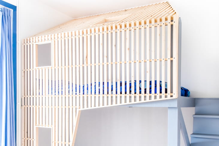 chambre d 39 enfant dormir dans un lit cabane journal des femmes. Black Bedroom Furniture Sets. Home Design Ideas