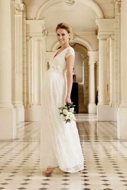 une collection de robes de mariée à petits prix. Cette robe de ...
