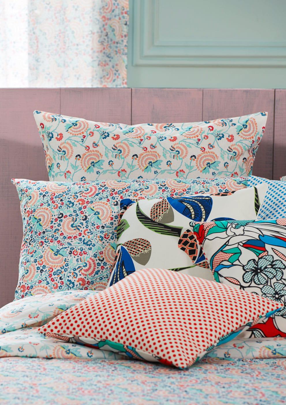 linge de lit multicolore de madura. Black Bedroom Furniture Sets. Home Design Ideas
