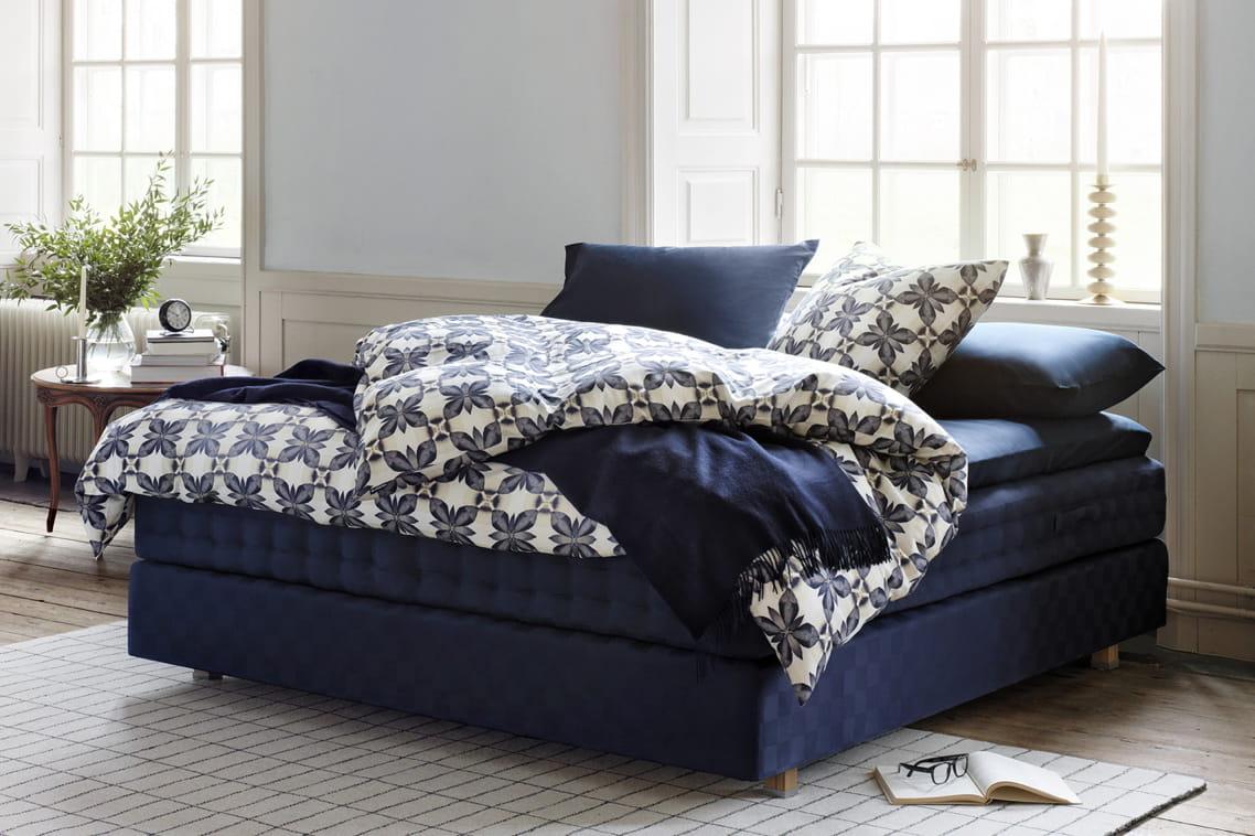 linge de lit bleu roi herbarium de h stens linge de lit a sent le printemps journal des. Black Bedroom Furniture Sets. Home Design Ideas