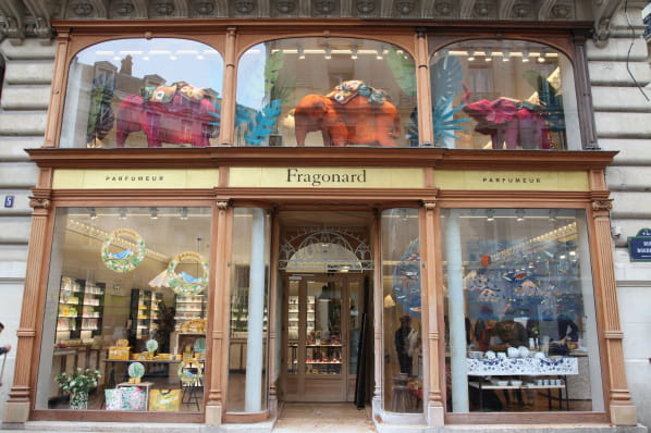 fragonard ouvre sa plus grande boutique parisienne. Black Bedroom Furniture Sets. Home Design Ideas