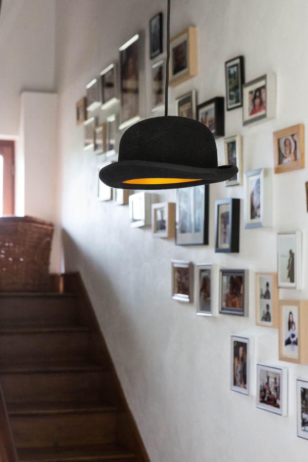 d cor d 39 escalier d co mix and match dans une ancienne curie journal des femmes. Black Bedroom Furniture Sets. Home Design Ideas