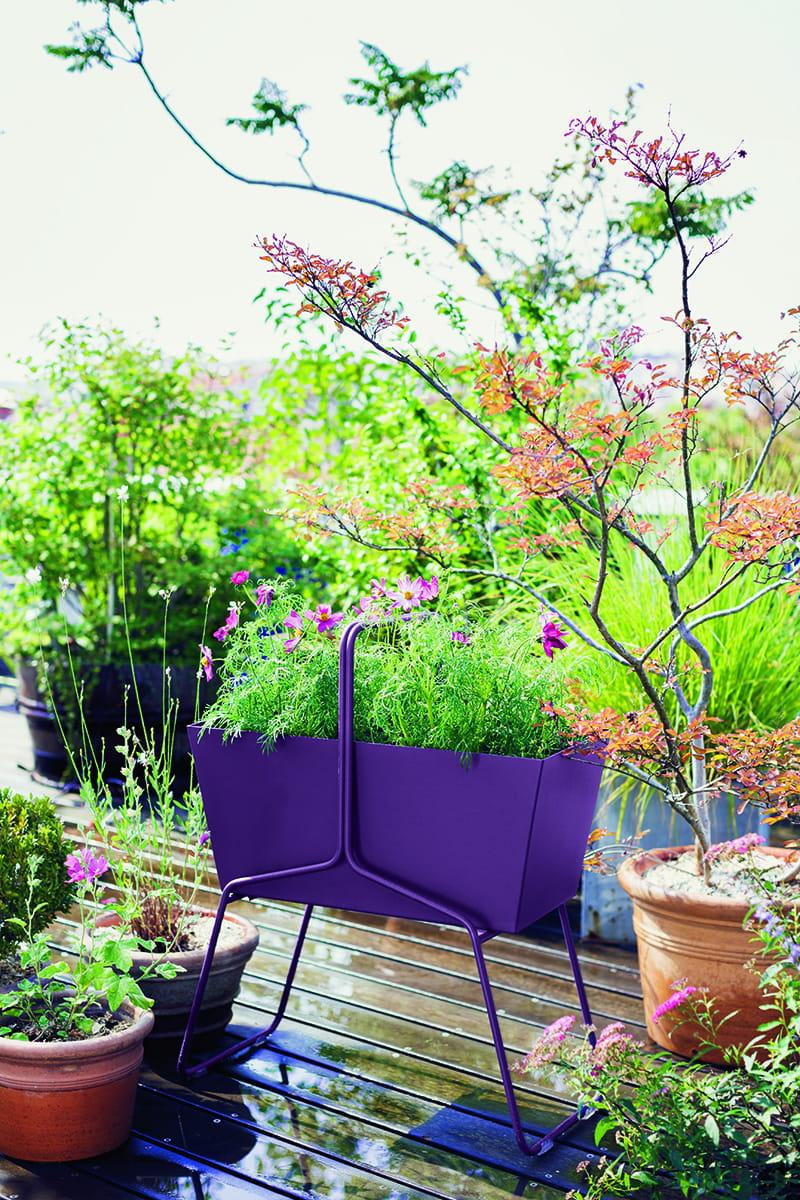 Haute jardini re basket de fermob for Jardiniere etroite et haute