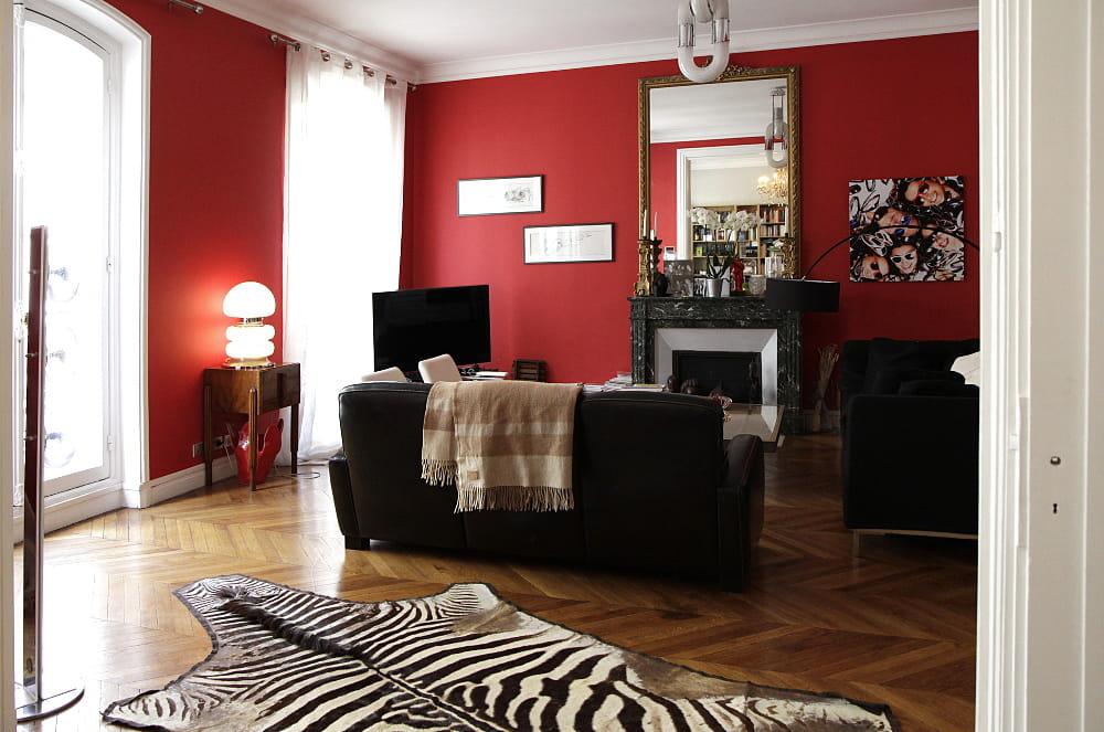 l 39 art du mix and match d co le home sweet home parisien d 39 une architecte d 39 int rieur journal. Black Bedroom Furniture Sets. Home Design Ideas