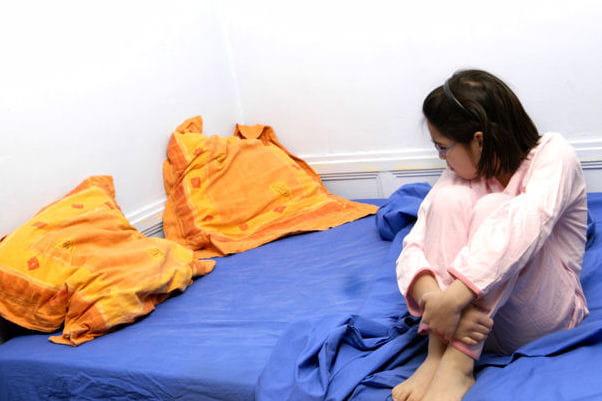 Mon enfant fait pipi au lit comment l 39 aider journal des femmes - Pipi au lit et homeopathie ...
