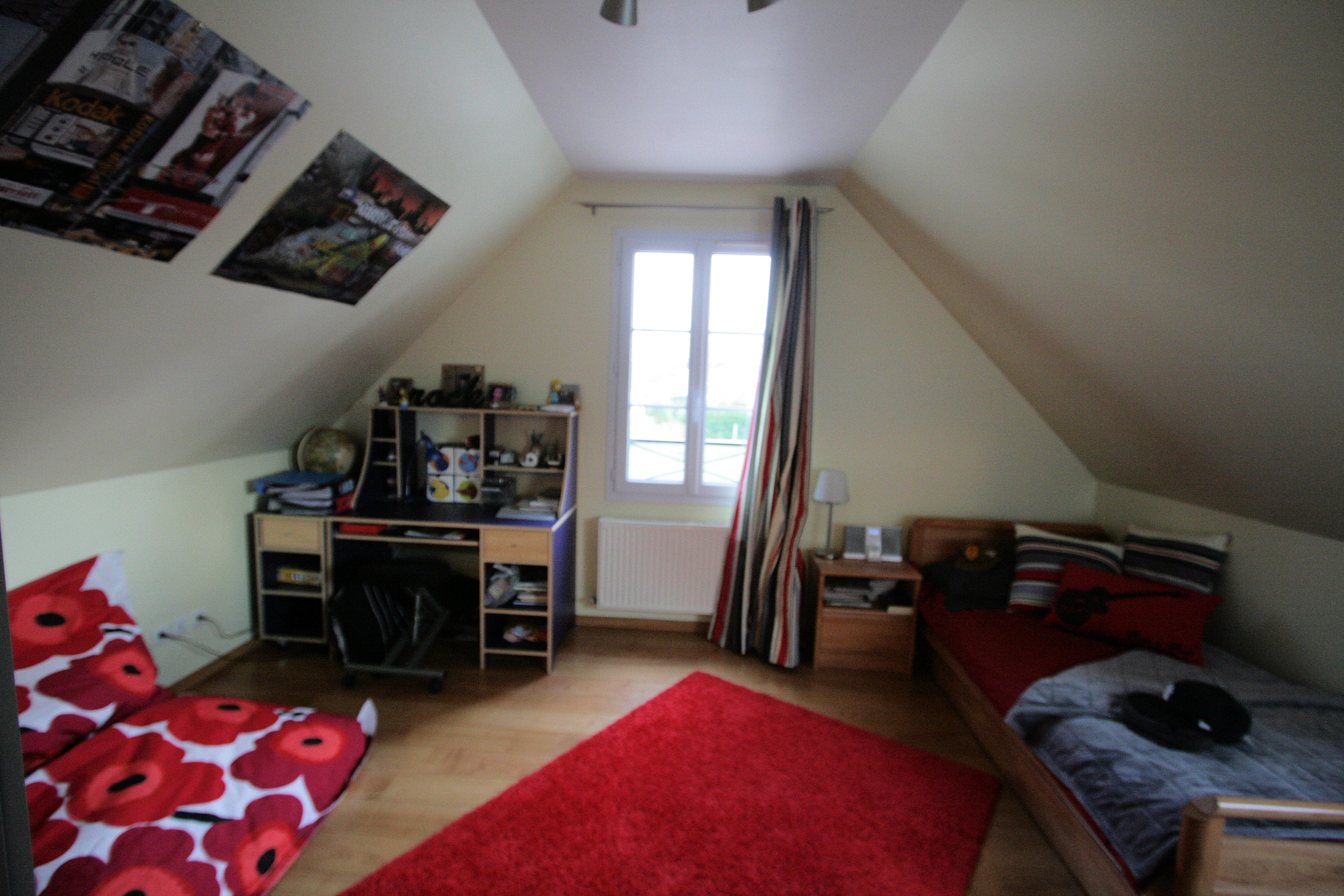 D co rouge chambre d 39 ado comment la d corer - Comment decorer sa chambre d ado ...