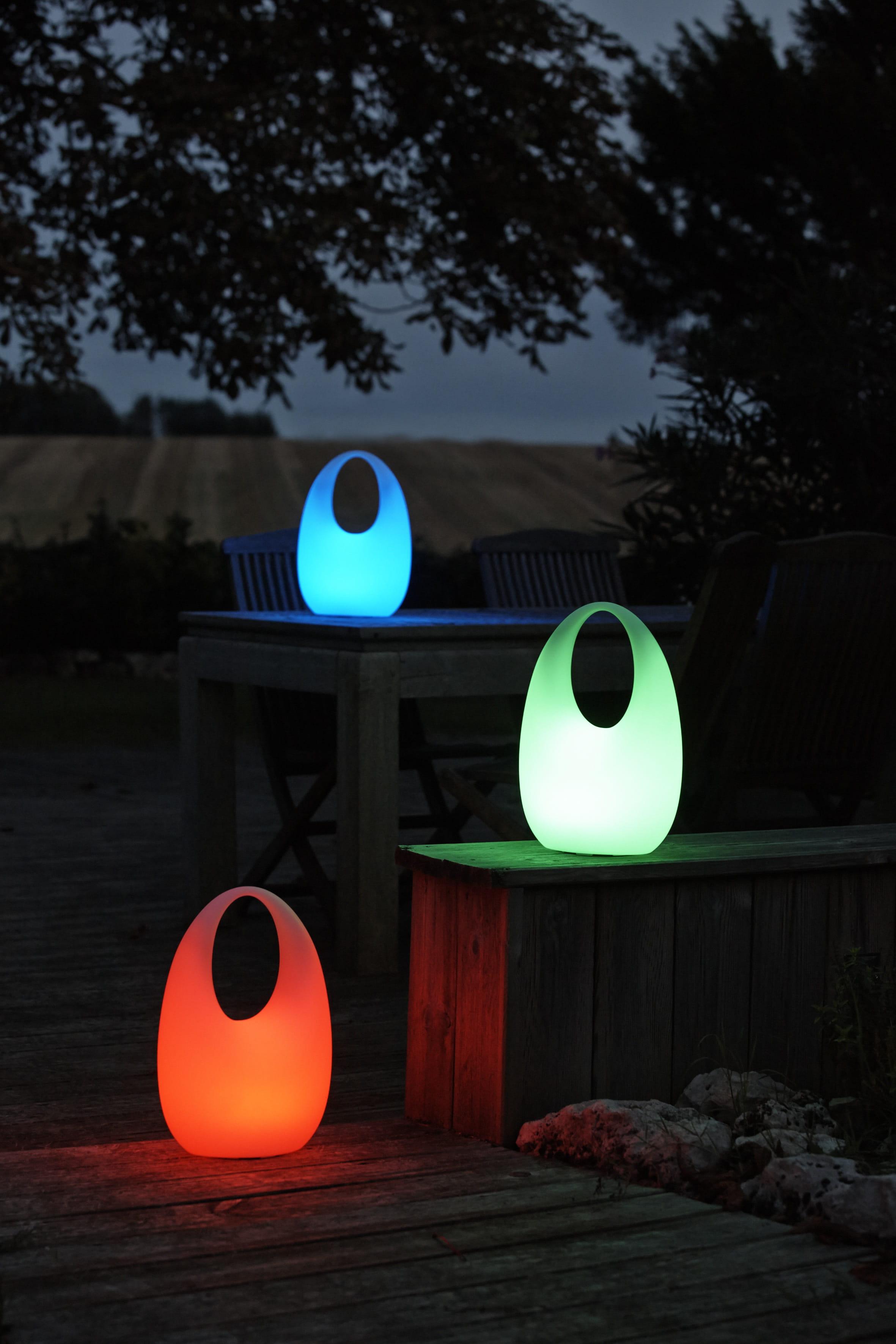 Lampes nomade de gifi clairer son jardin avec style - Guirlande lumineuse exterieur castorama ...