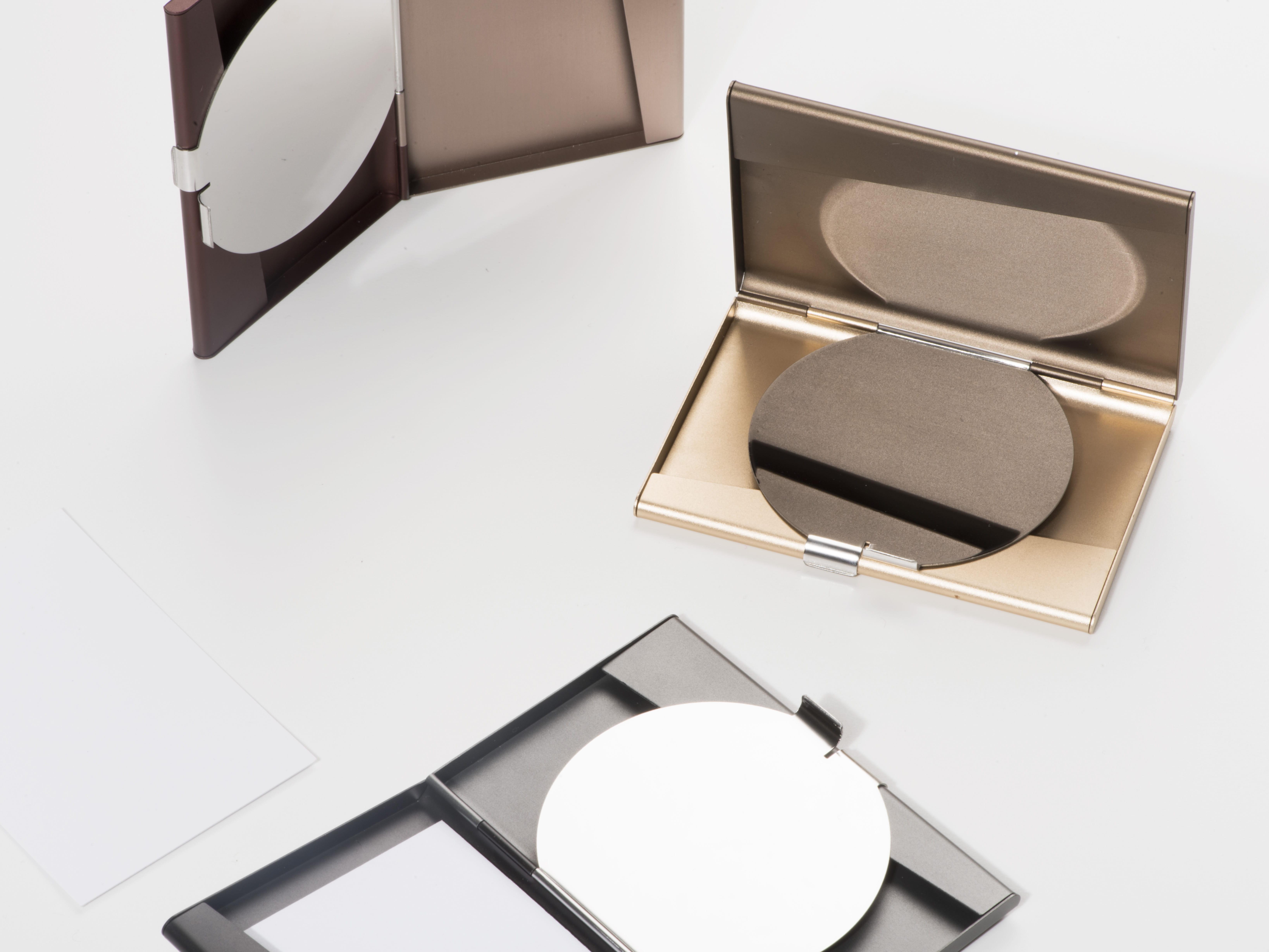 L'objet du désir : le porte cartes miroir fine by pauline deltour ...